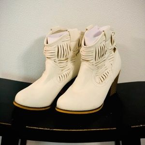 Off white Booties Ladies 7